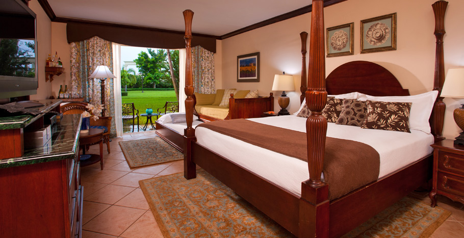 French Village Accessible Luxury Walkout Room King - FWKA Accessible