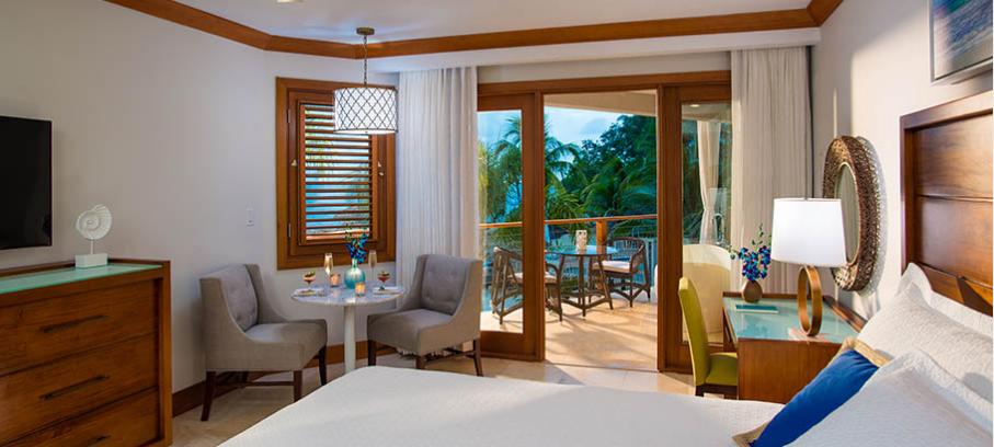 Sandals Negril Beachfront Club Suite