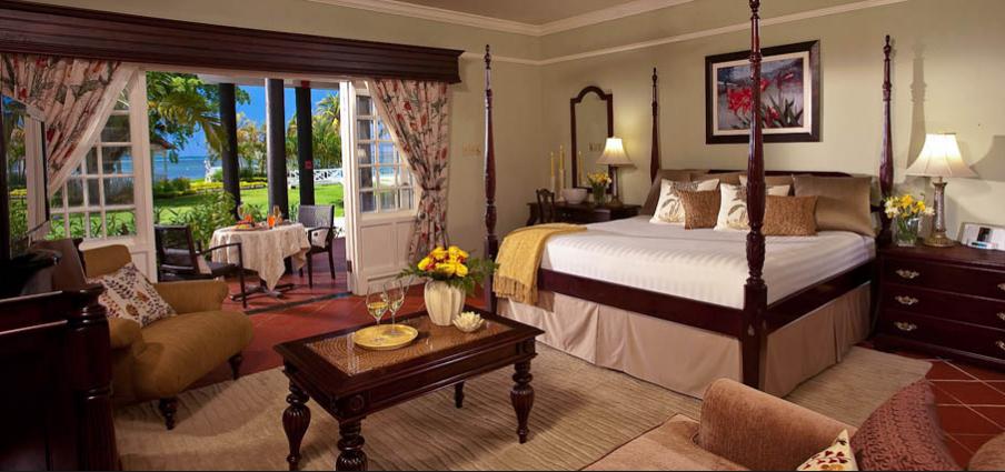 Beautiful Honeymoon Beachfront Suite