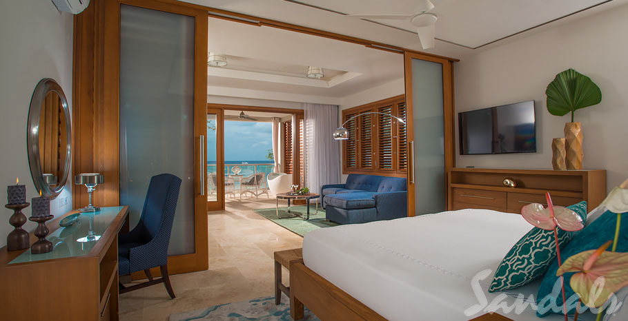 Sandals Montego Bay  Photos Location Beachfront Romeo & Juliet One-Bedroom Butler Villa Suite with Outdoor Tranquility Soaking Tub - RJ